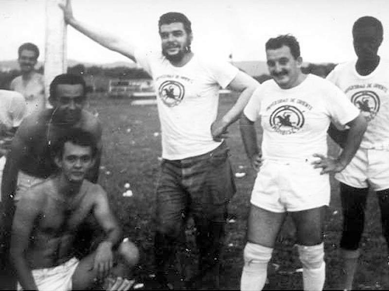 Jueves 20:00 hs, en Arquero Peligro: Mucho mas que futbol – UNI Radio