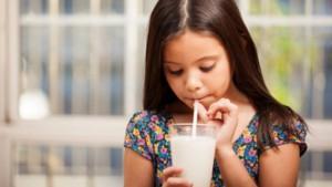 Audio: ¿ El consumo de leche es realmente recomendable para la salud ?