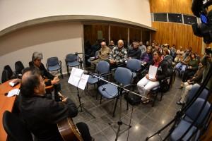 Poesía y música en el espacio de Bienestar de Universitario.