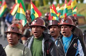 Asesinato de viceministro boliviano intensifica conflicto entre gobierno y mineros bolivianos
